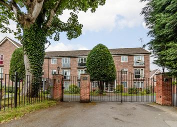 Thumbnail 1 bed flat for sale in Mead Haze, Maidenhead, Windsor And Maidenhead