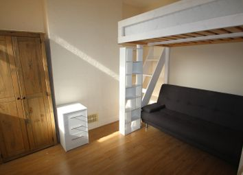 Thumbnail Room to rent in Forfar Street, Northampton