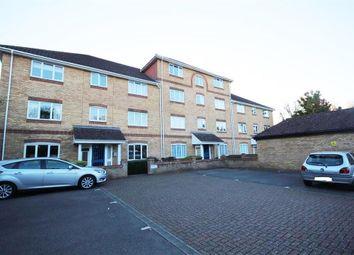 Thumbnail 2 bed flat to rent in Swan Mead, Hemel Hempstead