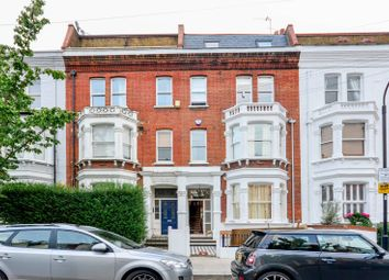 Thumbnail 1 bed flat to rent in Oxberry Avenue, Parsons Green
