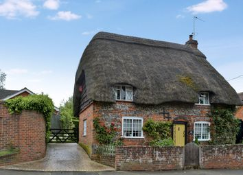 Thumbnail 2 bedroom cottage for sale in Chilton Foliat, Hungerford