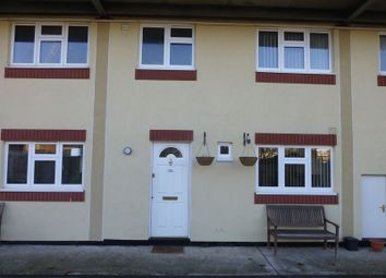 Thumbnail 2 bed flat to rent in Greenfields, Maidenhead
