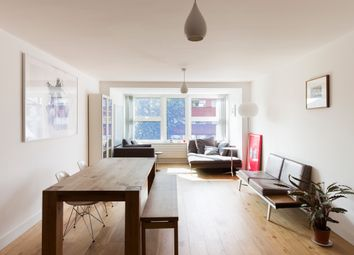 Darwin Court, Gloucester Avenue, London NW1. 3 bed flat for sale