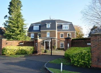 Thumbnail 3 bed flat for sale in Oval Way, Gerrards Cross