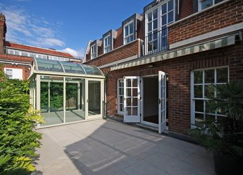 5 bed property to rent in Avenue Road, London NW8