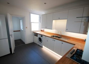 Thumbnail 1 bed flat to rent in Kendall Avenue, Sanderstead, South Croydon