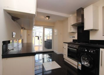 Thumbnail 4 bed property to rent in Pitcroft Avenue, Reading