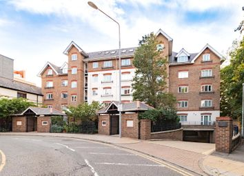 Osiers Court, Steadfast Road, Kingston Upon Thames KT1. 2 bed flat