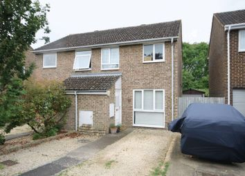 Thumbnail 3 bed semi-detached house for sale in Roundham Close, Kidlington