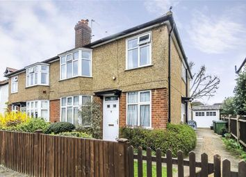 Thumbnail 2 bedroom flat to rent in Weston Park, Thames Ditton
