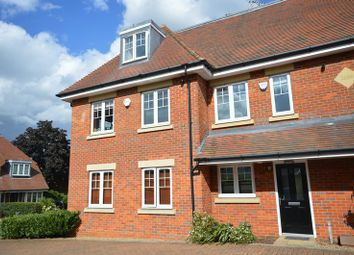 Thumbnail 3 bed property to rent in Waldenbury Place, Beaconsfield
