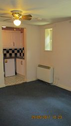 Thumbnail Studio to rent in 30 Hart Hill Drive, Luton
