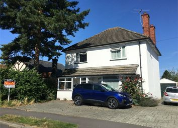 Chesterfield Road, West Ewell, Epsom KT19. 3 bed detached house