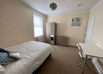 Room to rent in Whitehead Street, Swindon SN1