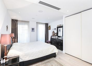 3 bed flat for sale in Central Avenue, London SW6