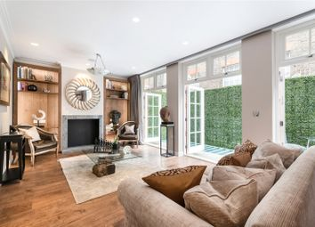 Thumbnail 3 bedroom mews house to rent in Clabon Mews, Knightsbridge