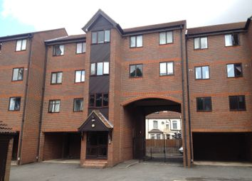 Thumbnail 2 bedroom flat to rent in Waldeck Road, Luton, Beds