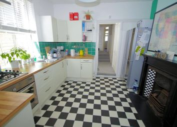 Thumbnail 1 bed flat to rent in Squires Lane, Finchley