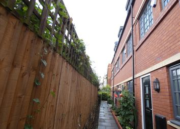 3 bed town house to rent in Wolsey Island Way, Leicester LE4