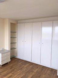 Thumbnail 3 bedroom flat to rent in Oakleigh Road, London