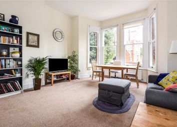 2 bed flat to rent in Netherhall Gardens, Hampstead, London NW3