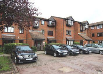 1 bed property to rent in Gladbeck Way, Enfield EN2