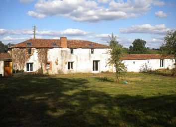 Thumbnail 5 bed property for sale in Poitou-Charentes, Vienne, Availles-Limouzine
