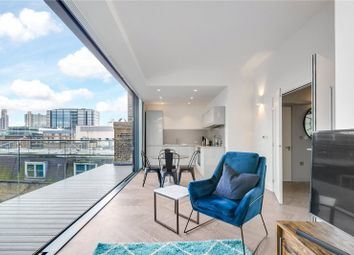 Thumbnail 2 bed flat to rent in Bath Street, London