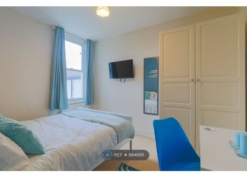 Room to rent in Balfour Road, London SW19