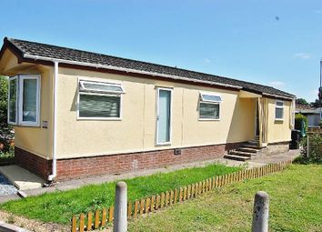 Elstree Park, Barnet Lane, Borehamwood WD6. 2 bed mobile/park home