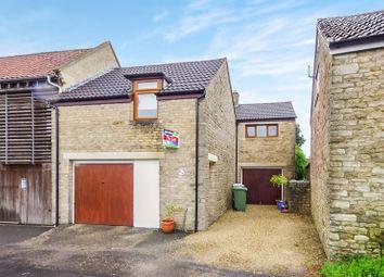 Thumbnail Barn conversion to rent in Robbins Close, Marshfield, Chippenham
