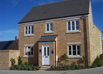 Thumbnail 4 bed detached house to rent in Northfield Road, Madley Park, Witney, Oxon