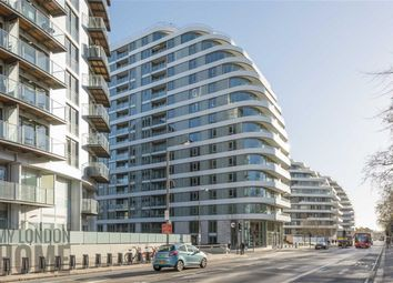Thumbnail 2 bedroom flat for sale in Vista, Battersea