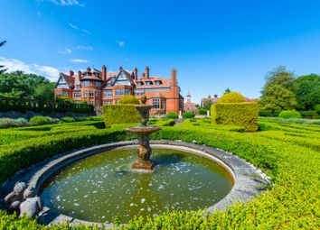 Hatchford Manor, Ockham Lane, Cobham, Surrey KT11. 2 bed flat