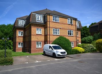 Thumbnail 2 bed flat for sale in Chaucer Way, Wimbledon
