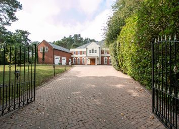 Thumbnail 6 bedroom detached house for sale in Avon Castle Drive, Ringwood