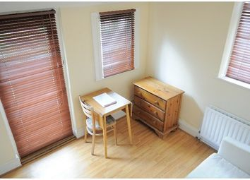 Thumbnail 1 bed flat to rent in Malwood Road, Clapham South