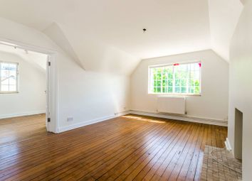 Thumbnail 3 bed flat to rent in Queens Avenue, Muswell Hill
