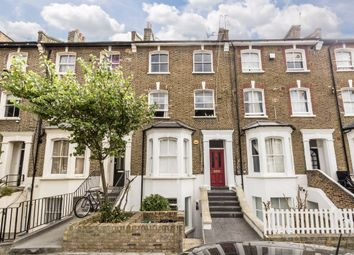 2 bed flat for sale in Cathnor Road, London W12