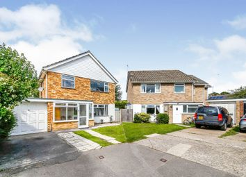 Warren Close, Felbridge, East Grinstead RH19. 3 bed detached house