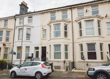 2 bed flat to rent in Cavendish Place, Eastbourne BN21