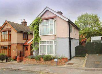Thumbnail 3 bedroom property for sale in Bendysh Road, Bushey