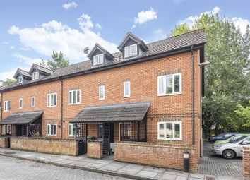 3 bed property for sale in Moir Court, Wantage OX12