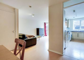 2 bed maisonette to rent in Rawreth Walk, Islington, London N1