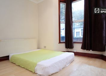 Thumbnail 7 bedroom shared accommodation to rent in Granleigh Road, London
