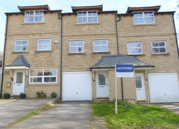 Thumbnail 3 bed town house for sale in Middlefield Court, East Morton, Keighley