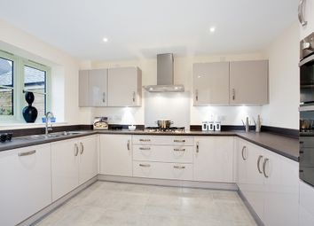 Thumbnail 5 bed detached house to rent in The Bridle Road, Purley