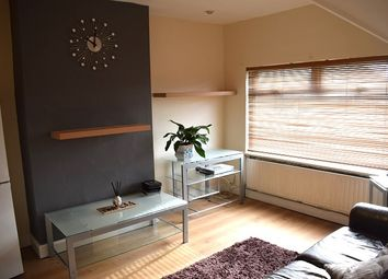 Thumbnail 1 bed flat to rent in Clewer Crescent, Harrow Weald
