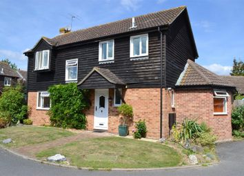 Thumbnail 3 bed detached house for sale in Jedburgh Close, Thatcham