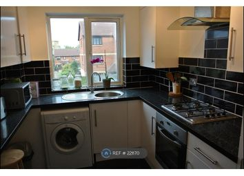 Thumbnail 2 bed flat to rent in Hydethorpe Street, London